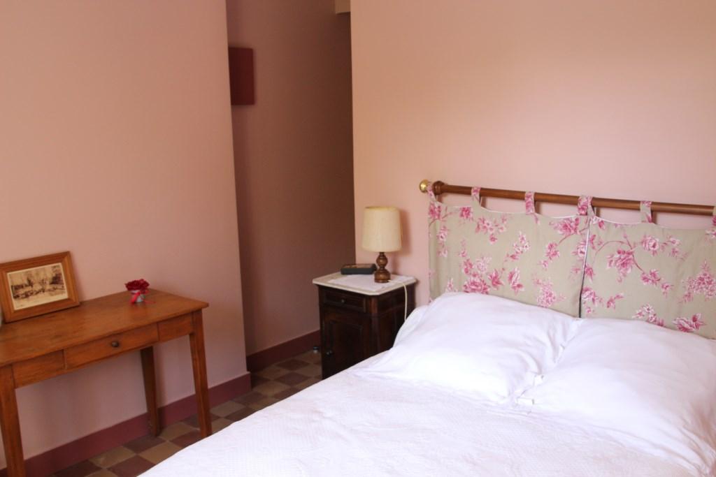 Chambre hotes olivet rose for Autour de la maison rose